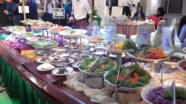 TGCR salad sampan